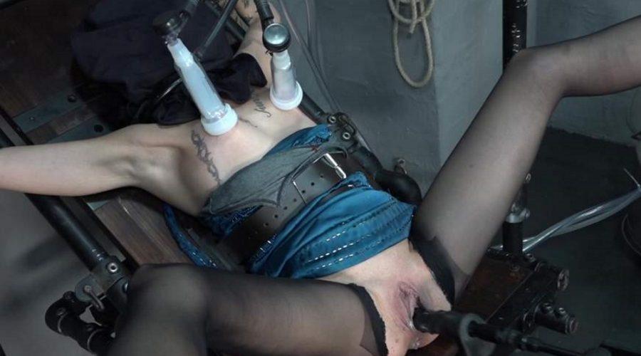 Bondage slave Lola wird gemolken